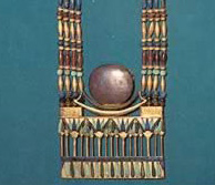 necklace-with-lunar-pectoral