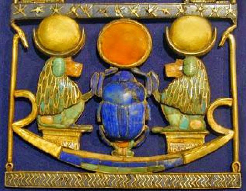 Pectoral-of-tutankhamun